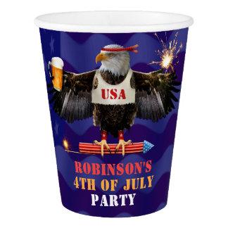 Copo De Papel 4o da cerveja e de fogos-de-artifício patrióticos