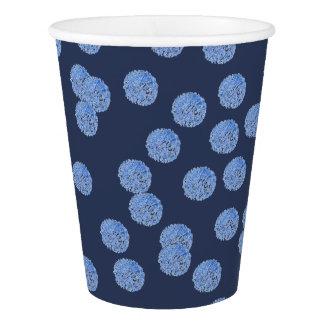 Copo de papel das bolinhas azuis