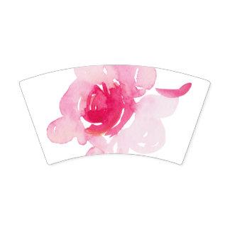 Copo de papel do primeiro rosa