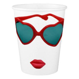 Copo De Papel Óculos de sol e lábios vermelhos dos doces
