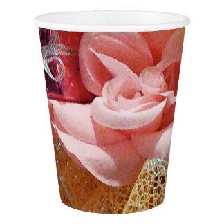 Copo De Papel Os rosas cor-de-rosa e o amarelo da primavera