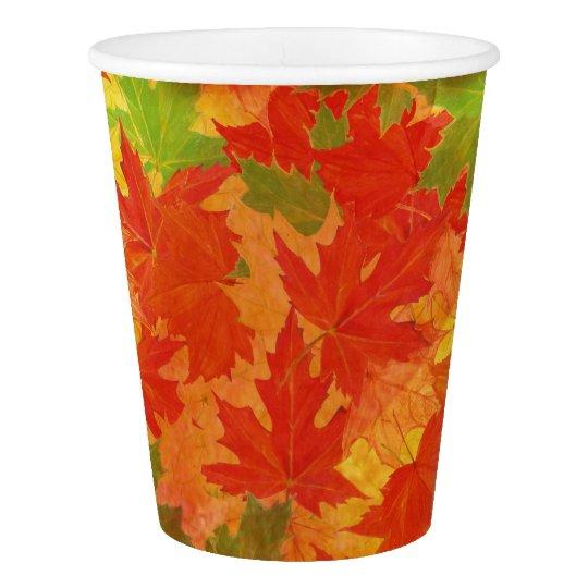 Copo De Papel Teste padrão das folhas de outono