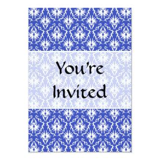 Cor damasco à moda. Azul e branco Convite Personalizado