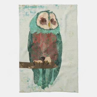 Cora a toalha da coruja da neve