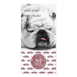 Cora o teste padrão cor-de-rosa do bigode do brilh cartão com foto