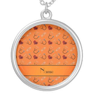 Coração alaranjado conhecido personalizado da colar com pendente redondo