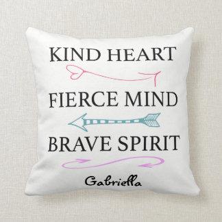Coração amável, mente feroz, travesseiro almofada