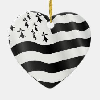Coração com bandeira de Bretin para dentro Ornamento De Cerâmica