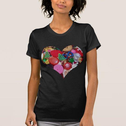 Coração com os botões da árvore de Natal Camiseta