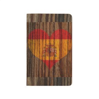 Coração da bandeira da espanha no tema de madeira diário