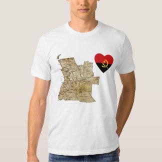 Coração da bandeira de Angola e t-shirt do mapa