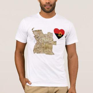 Coração da bandeira de Angola e t-shirt do mapa Camiseta