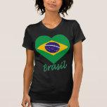 Coração da bandeira de Brasil T-shirt