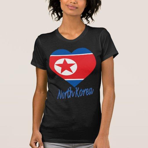 Coração da bandeira de Coreia (norte) T-shirts