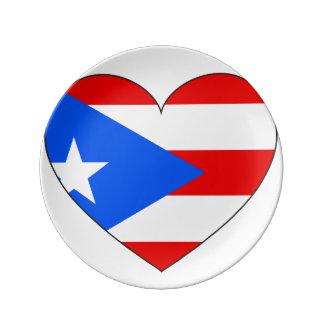 Coração da bandeira de Puerto Rico Prato De Porcelana