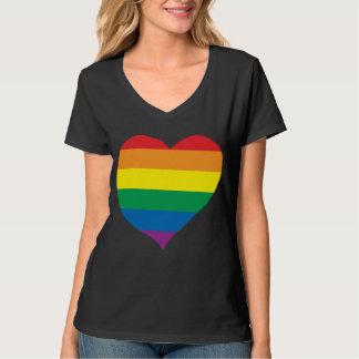 Coração do amor do arco-íris, orgulho gay, camiseta