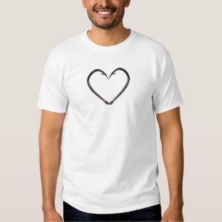Coração do gancho de peixes tshirts