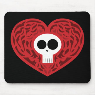 Coração do tatuagem do crânio mouse pad