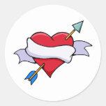Coração dos namorados do arco & da seta com adesivos redondos