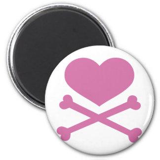 coração e dos crossbones rosa brandamente ímã redondo 5.08cm