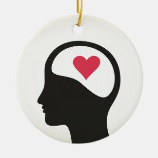 Coração em uma cabeça ornamento de cerâmica