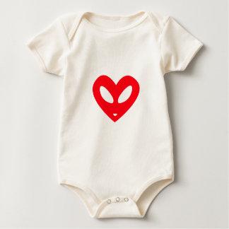 Coração estrangeiro body para bebê