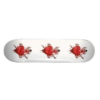 coração nas chamas feridas pelo punhal shape de skate 19,7cm