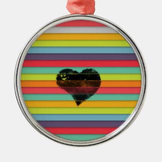 Coração preto no fundo funky dos azulejos ornamento redondo cor prata