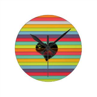 Coração preto no fundo funky dos azulejos relógios para paredes