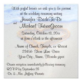 Coração romântico no casamento de praia da areia convite quadrado 13.35 x 13.35cm