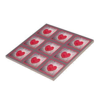 Coração Stonewashed na xadrez cinzenta e vermelha Azulejos