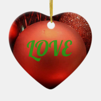 Coração vermelho ornamento dado forma do feriado
