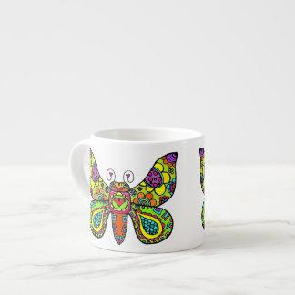Corações & borboleta das flores no limão canecas para expresso