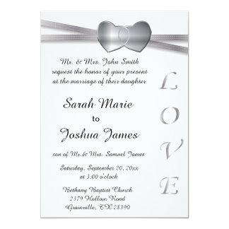 Corações clássicos do amor do casamento branco e convite 12.7 x 17.78cm