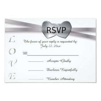 Corações clássicos do amor do casamento branco e convite 8.89 x 12.7cm