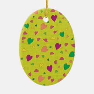 Corações coloridos ornamento de cerâmica oval