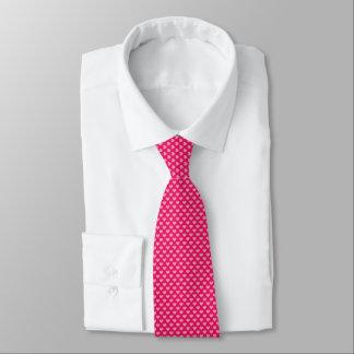 Corações cor-de-rosa bonitos como pontos gravata