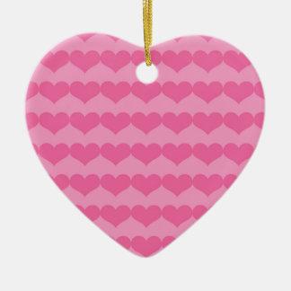 Corações cor-de-rosa no ornamento cor-de-rosa