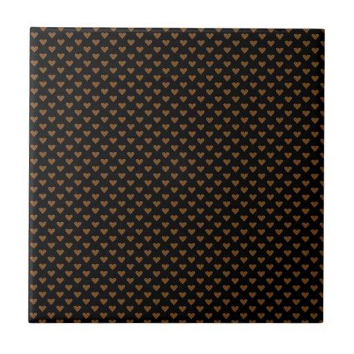 Corações de Brown no preto Azulejo De Cerâmica