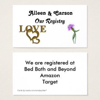 Corações do amor do ouro e cartão roxo do registro
