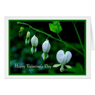 Corações do branco do feliz dia dos namorados cartão comemorativo