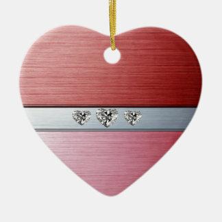 corações do diamante no fundo prateado vermelho ornamento de cerâmica coração
