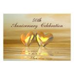 Corações dourados do aniversário convite