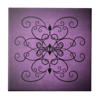 Corações pretos e roxos e redemoinhos azulejo