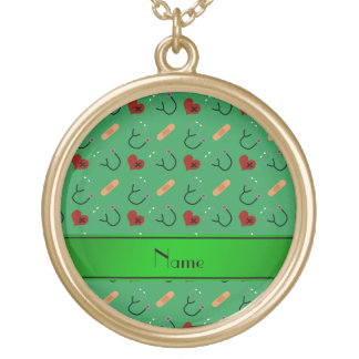 Corações verdes conhecidos personalizados da colar com pendente redondo