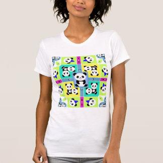 Cores brilhantes adoráveis dos ursos de panda camiseta