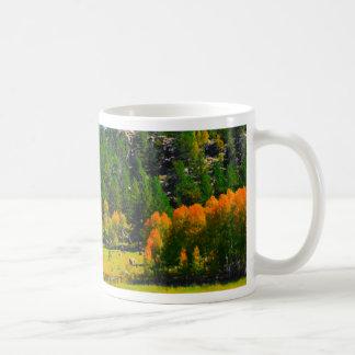 Cores da queda nas Montanhas Rochosas Caneca De Café
