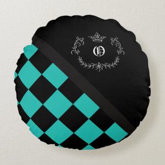 Coroa personalizada do tabuleiro de damas do preto almofada redonda