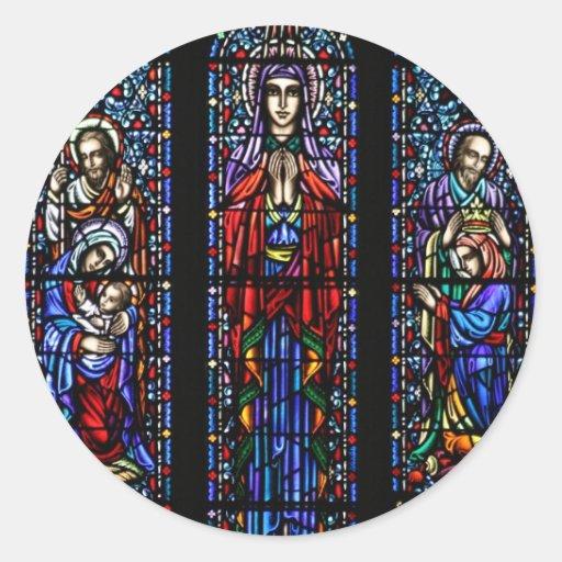 Coroação da arte do vitral de Mary Adesivo Em Formato Redondo