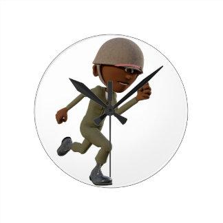 Corredor do soldado do afro-americano dos desenhos relógio redondo